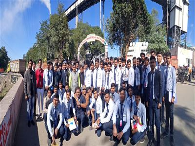 Industrial visit at Satpura Thermal Power Plant, Sarni....held on 28 December for B.Tech.Electrical and Mechanical Engineering Students.